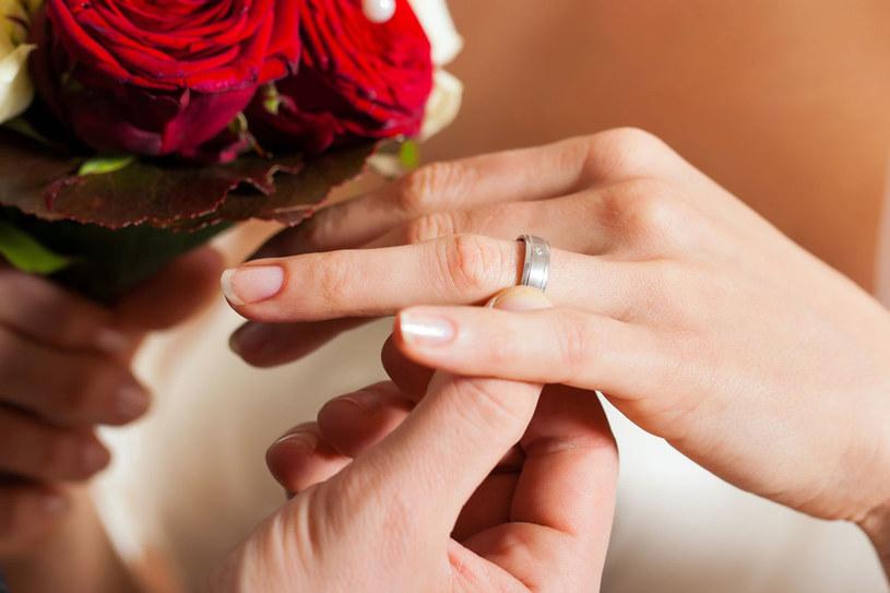W kościele można uniewżnić ślub /123RF/PICSEL