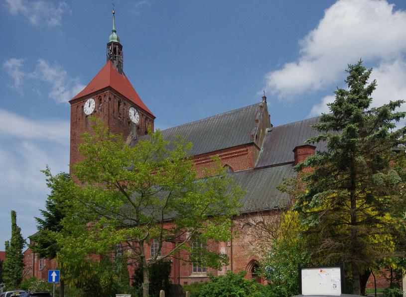 W kościele (na zdj.) odkryto m.in. średniowieczne ścienne malowidła /Marek BAZAK/East News /East News
