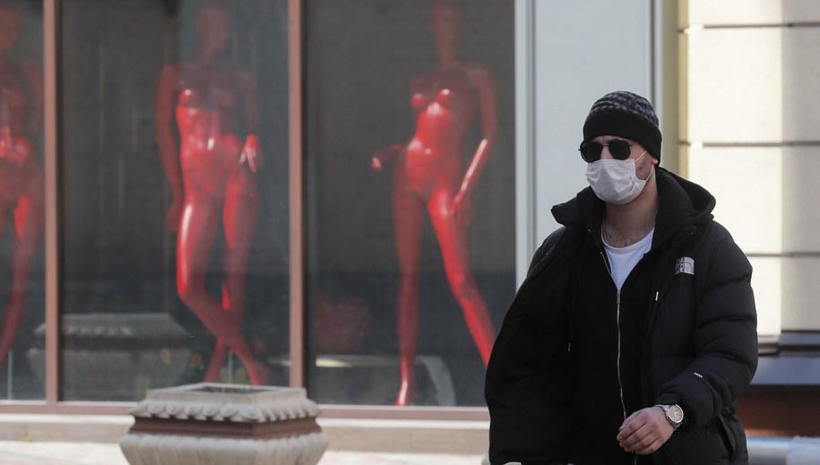 W kraju potwierdzono 804 przypadki zakażenia koronawirusem. 20 zainfekowanych osób zmarło, a 13 uznano za wyleczone. /SERGEY DOLZHENKO /PAP/EPA