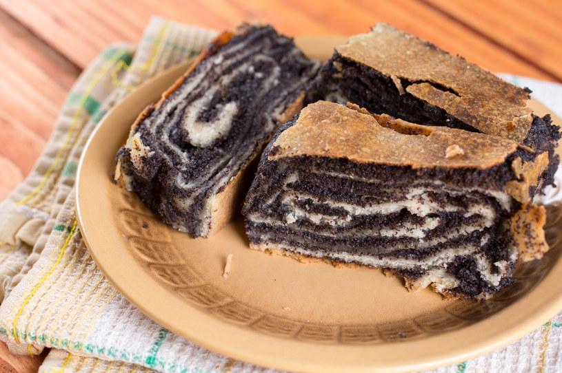 W książce Lucyny Ćwierczakiewiczowej można znaleźć wiele receptur na tradycyjne polskie ciasta /123RF/PICSEL