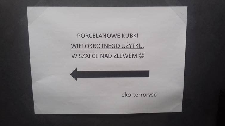 W kuchni RMF MAXXX od dawna wisi informacja dla eko-terrorystów /Przemek Błaszczyk /RMF MAXXX