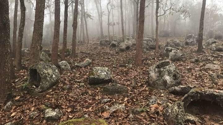 W Laosie odkryto ponad 100 tajemniczych słojów pogrzebowych /materiały prasowe