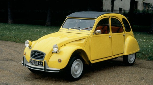 W latach 1948-1990 wyprodukowano blisko 3,9 mln egzemplarzy Citroena 2CV. /Citroen
