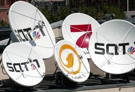 W latach 90. telewizje kablowe nadawały w większości obcojęzyczne programy /AFP