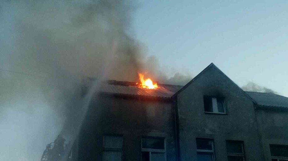 W Lęborku paliło się poddasze budynku wielorodzinnego /Gorąca Linia RMF FM /Gorąca Linia RMF FM