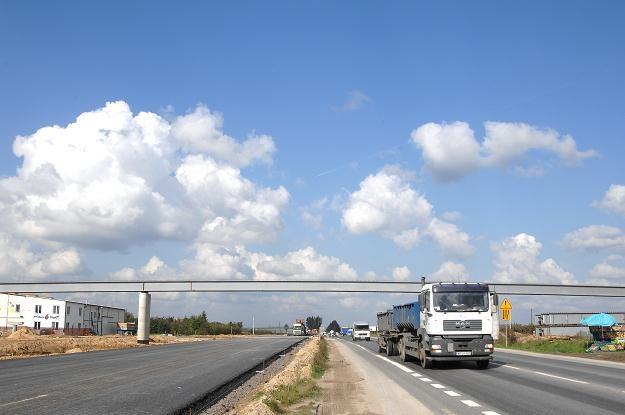 W liczbie towarów przewożonych ciężarówkami wyprzedzają nas już tylko Niemcy /© Bauer