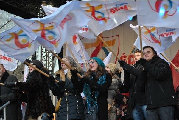 """W lipcu 2014 r. zaprezentowano logo ŚDM; 6 stycznia 2015 r. miała miejsce premiera hymnu """"Błogosławieni miłosierni"""" /JT /INTERIA.PL"""