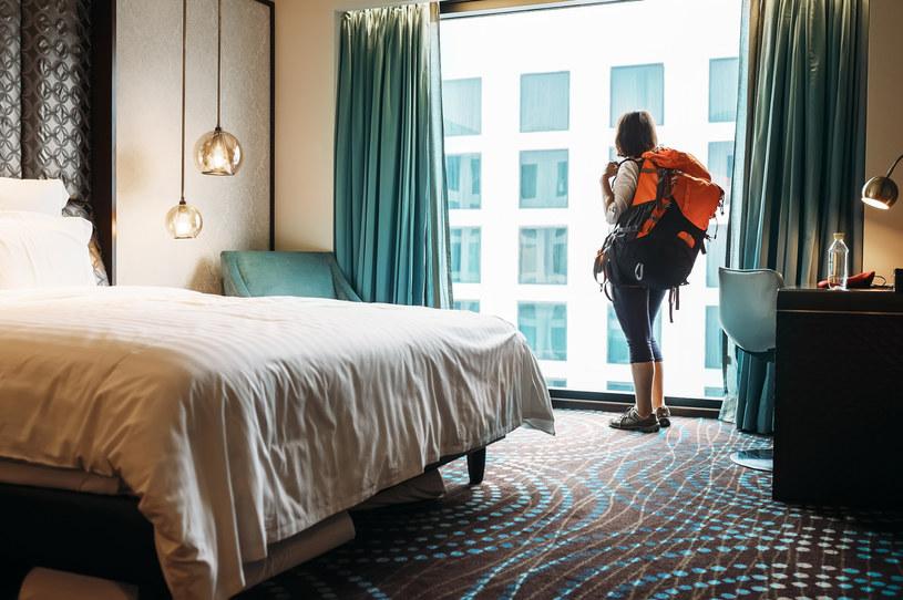 W lipcu co drugi hotel miał zajętych ponad 60 proc. pokoi. /123RF/PICSEL