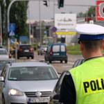 W lipcu policjanci wystawili o prawie pół miliona mandatów mniej