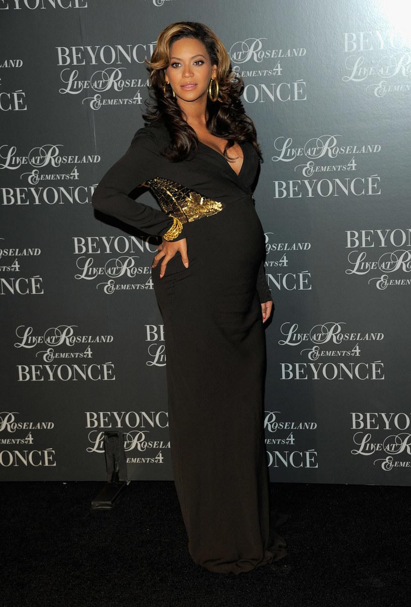 W listopadzie Beyonce mogła się pochwalić brzuszkiem sporych rozmiarów /Getty Images