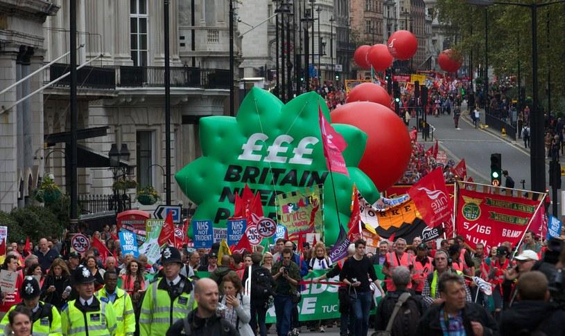 W Londynie protestowało 100 tys. osób /AFP