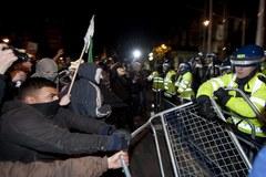 W Londynie starcia policji z antykapitalistami z ruchu Anonymous