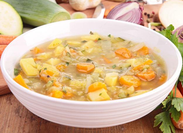 W Los Angeles miska pożywnej zupy staje się równie popularna, co szklanka napełniona zielonym koktajlem /Picsel /123RF/PICSEL