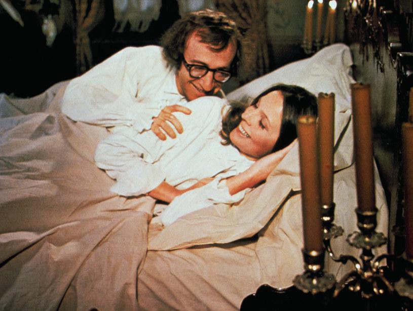 """W łóżku z Woodym Allenem w filmie """"Miłość i śmierć"""" /AKPA"""