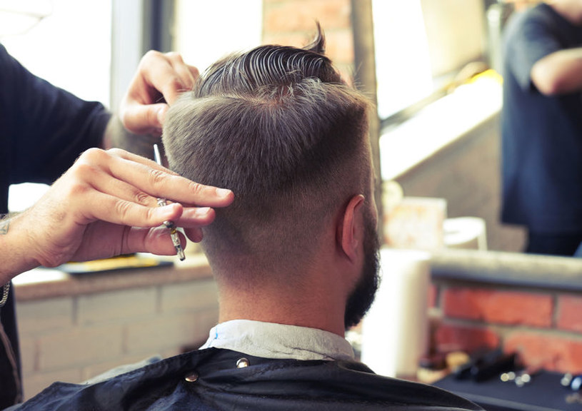 W lutym fryzjerzy i kosmetyczki liczyli sobie za swoją pracę o 10,6 proc. więcej niż w rok temu. /123RF/PICSEL