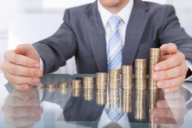 W lutym wartość depozytów gospodarstw domowych ulokowanych w bankach zwiększyła się o 6,3 mld zł /©123RF/PICSEL