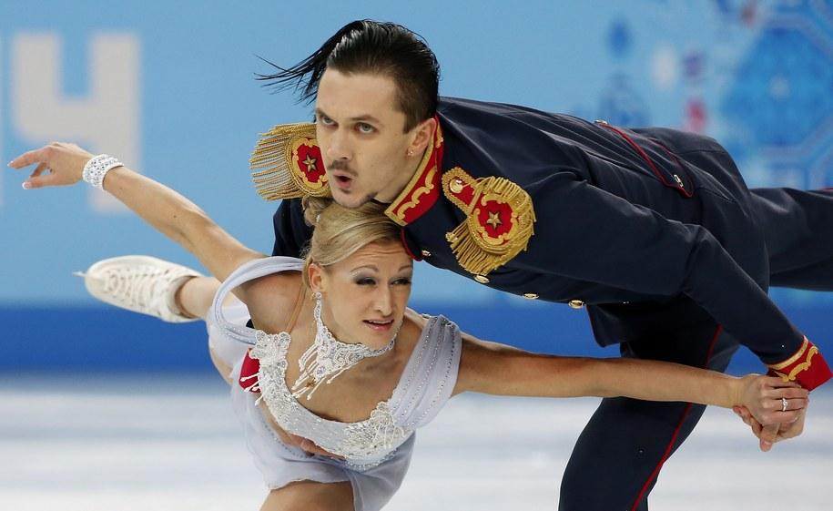 W łyżwiarskiej rywalizacji par sportowych prowadzą po wczorajszym programie krótkim Rosjanie Tatiana Wołosożar i Maksim Trańkow /BARBARA WALTON /PAP/EPA