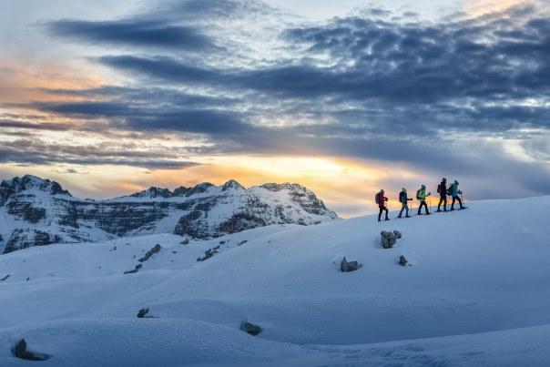 W Madonnie di Campiglio znajdziemy świetne warunki narciarskie i zachwycające widoki /materiały prasowe