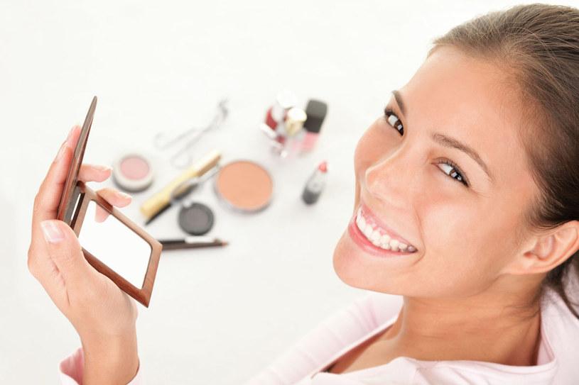 W makijażu nasza cera oddycha /123RF/PICSEL