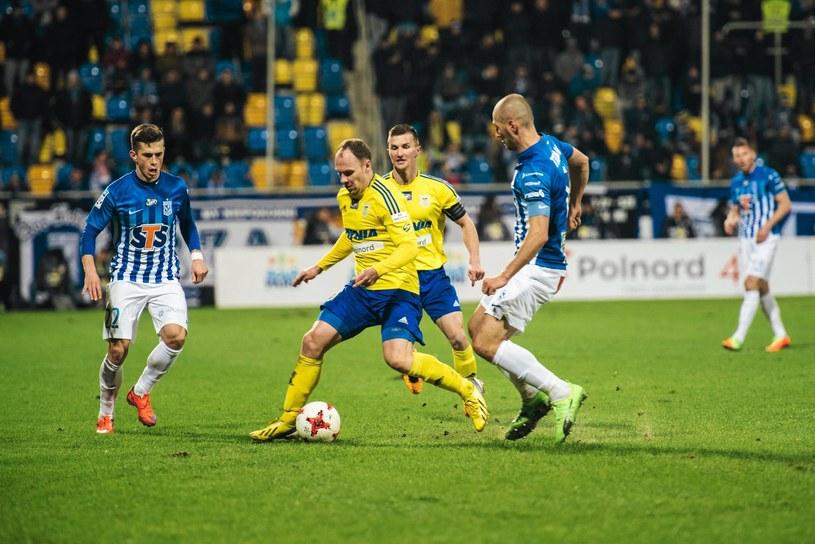 W marcu obie drużyny spotkały się w lidze. Lech wygrał w Gdyni 4-1. /Bartosz Bańka /