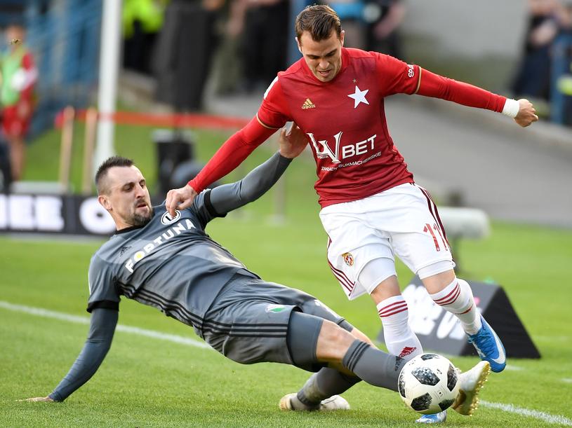 W meczu Wisła - Legia było dużo walki, ale mało sytuacji bramkowych /PAP