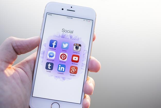 W mediach społecznościowych możemy skuteczniej chronić samych siebie /©123RF/PICSEL