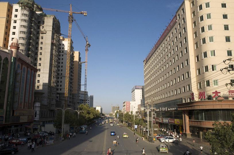 W miejsce wielowiekowych domów stawiane są bezstylowe bloki /Andia/Universal Images Group  /Getty Images