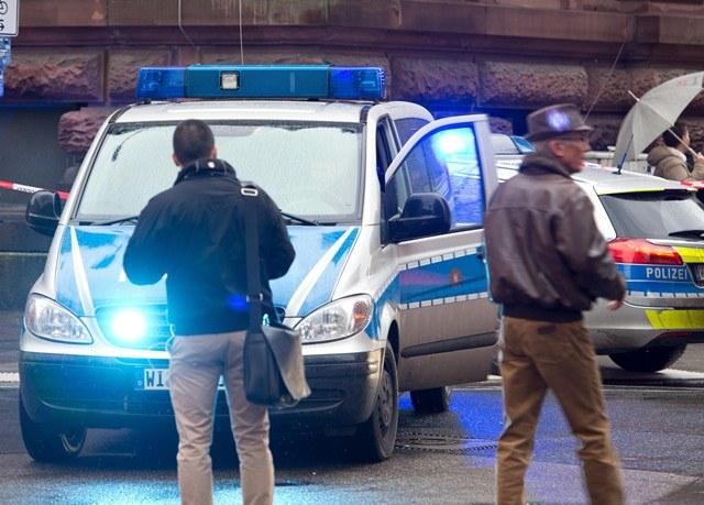W mikrobusie podróżowało 25 osób (zdjęcie ilustracyjne) /DPA/BORIS ROESSLER  /PAP