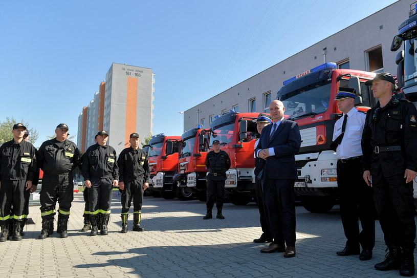 W misji bierze udział 65 strażaków i 20 pojazdów /Jakub Kaczmarzyk /PAP