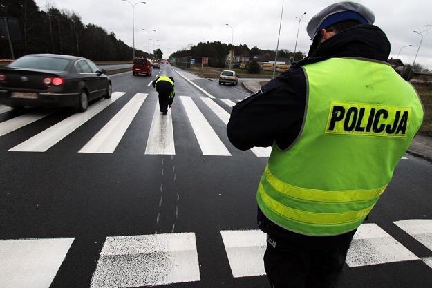 W mniej więcej połowie wypadków na pasach winę ponosi pieszy / Fot: Piotr Jedzura /Reporter
