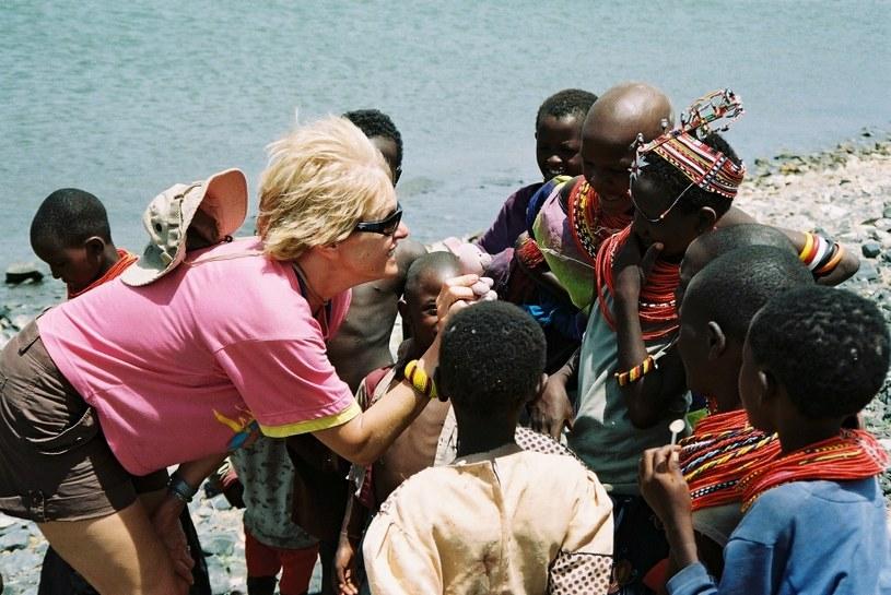 """W moich podróżach po Afryce zawsze najważniejsze były spotkania z ludźmi, szczególnie z kobietami - przyznaje Beata Lewandowska-Kaftan, fotografia z książki """"Afryka jest kobietą"""" /Tekst: Zgubsietam.pl"""