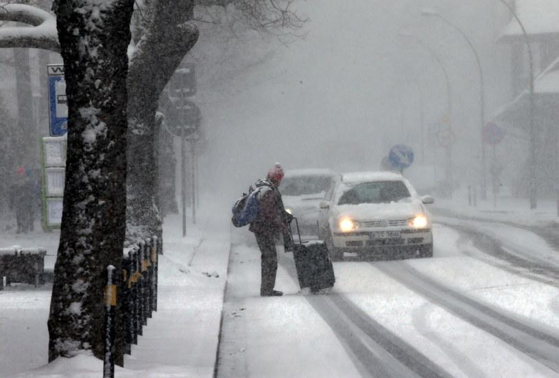 W najbliższych dniach możemy spodziewać się opadów śniegu /Grzegorz Momot /PAP