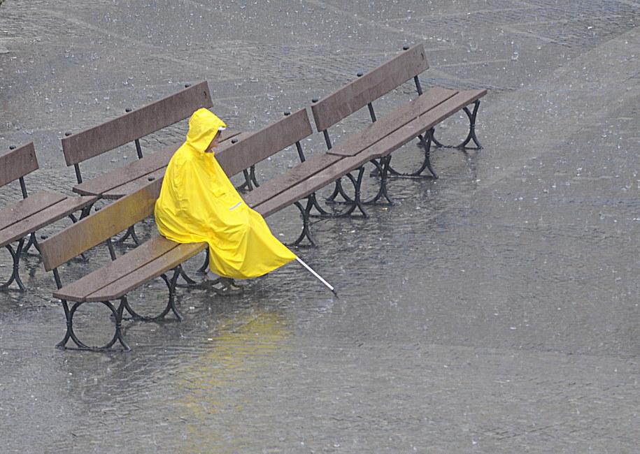 W najbliższych dniach prognozowane są intensywne opady deszczu /Andrzej Rybczyński  /PAP