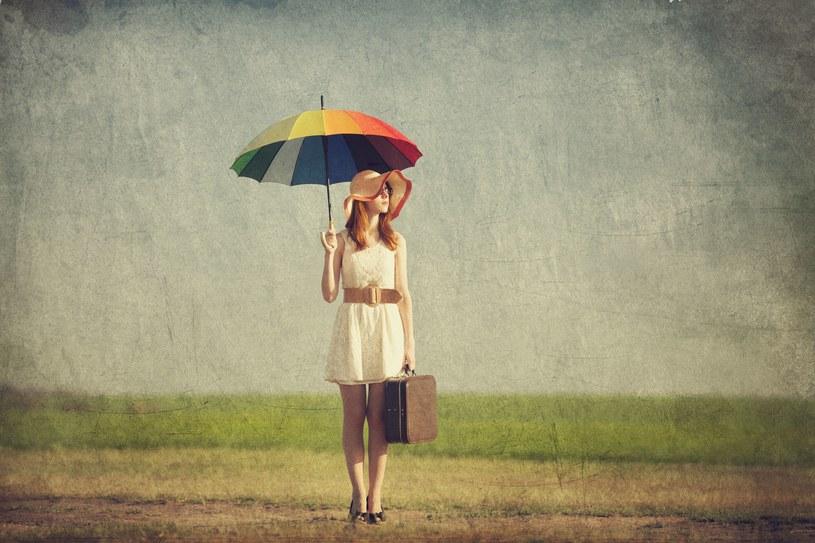 W najbliższych dniach przydadzą się parasole /123RF/PICSEL