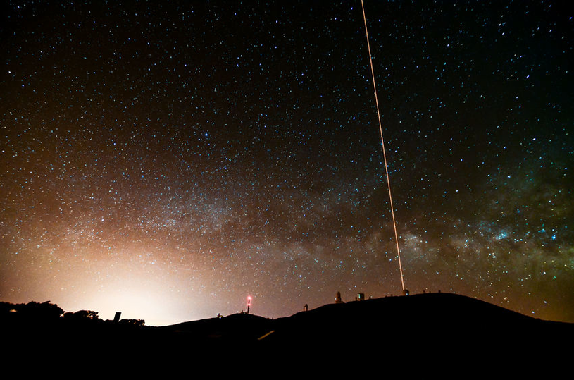 W najbliższych latach można się spodziewać coraz częstszego korzystania ze stacji laserowych w celu wyznaczania orbit różnych kosmicznych śmieci /123RF/PICSEL