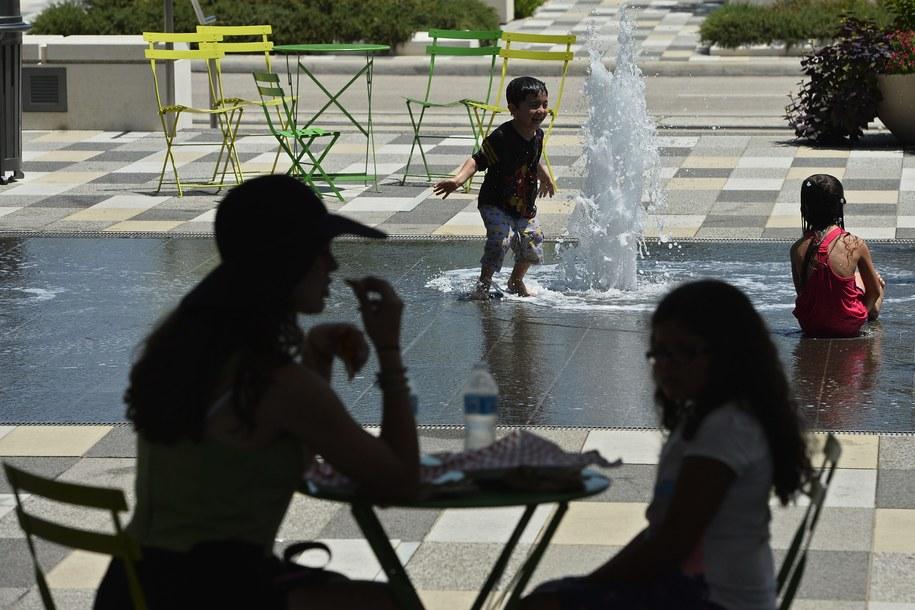 W najbliższym czasie będzie bardzo gorąco! /LARRY W. SMITH /PAP/EPA
