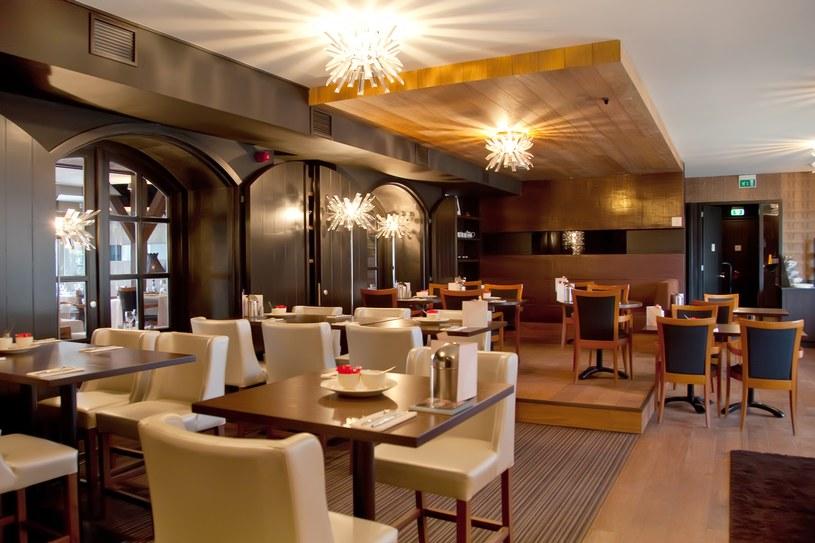 W najlepszych restauracjach miejsce trzeba zarezerwować dużo wcześniej /123RF/PICSEL