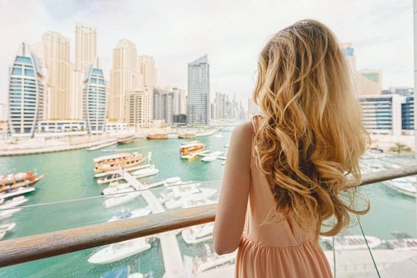 W największym mieście Zjednoczonych Emiratów Arabskich z pewnością nie zabraknie nam fotogenicznych miejsc /123RF/PICSEL
