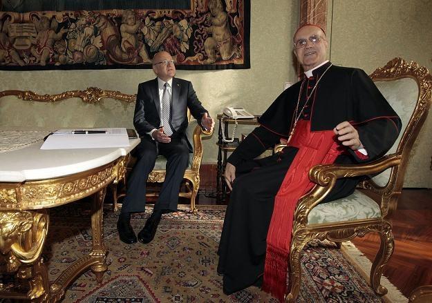 W niedzielę kard. Tarcisio Bertone odprawi mszę św. w Łodzi /AFP