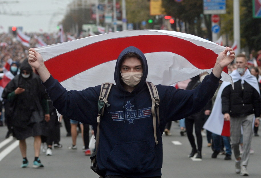 W niedzielę na Białorusi zatrzymano ponad 350 uczestników protestów /STR /PAP/EPA