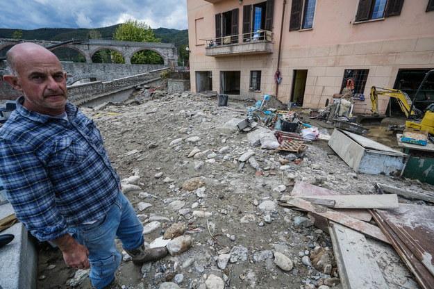 W niedzielę poinformowano o znalezieniu ciał trzech osób w regionie Liguria /Tino Romano /PAP/EPA