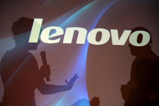 W niekorzystnych warunkach najlepiej radzi sobie firma Lenovo /AFP