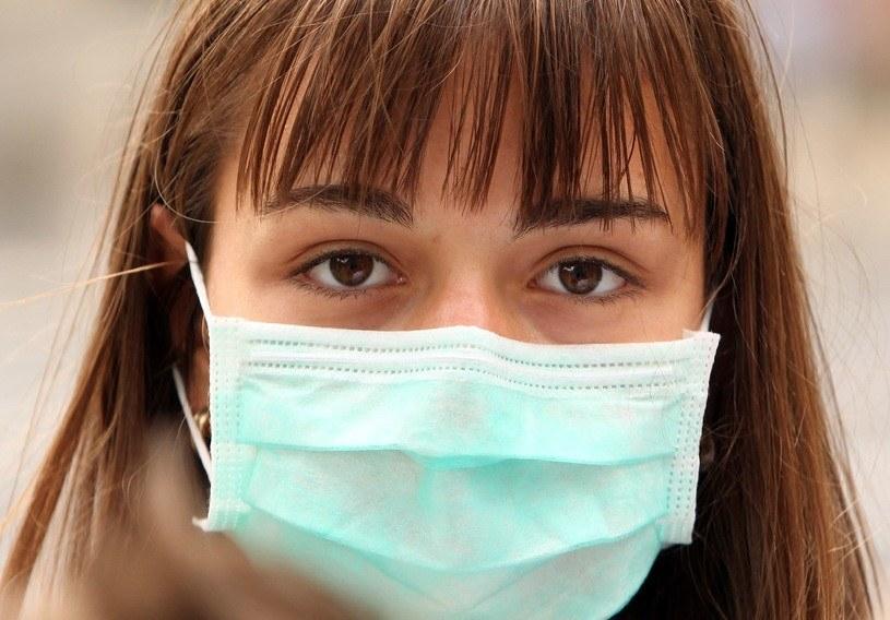 W niektórych przypadkach możemy złagodzić przebieg choroby domowymi sposobami /123RF/PICSEL