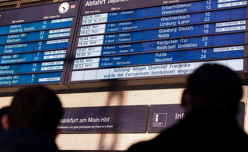 W Niemczech niedzielny handel kwitnie na dworcach /AFP