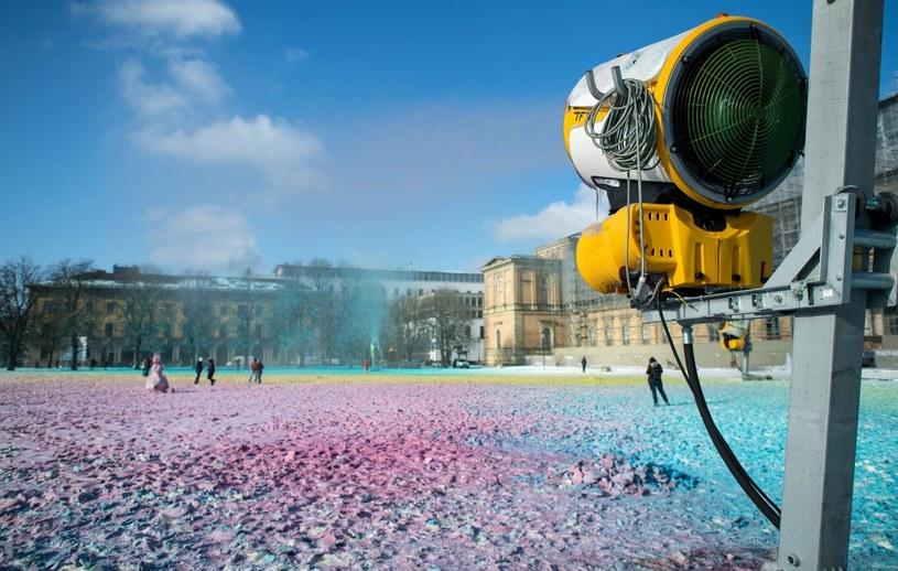 W Niemczech spadł kolorowy śnieg /Sven Hoppe EPA /PAP/EPA