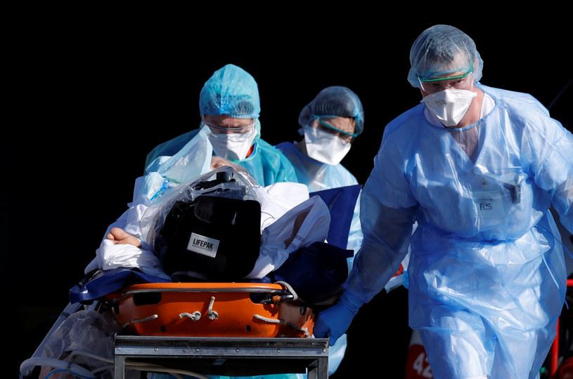 W Niemczech z powodu koronawirusa zmarły do tej pory 253 osoby / CHRISTIAN HARTMANN /Agencja FORUM