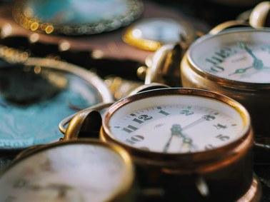 W nocy przestawimy zegarki. Pośpimy godzinę dłużej