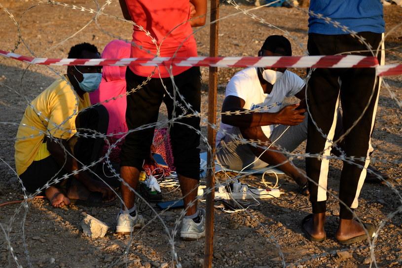 W nocy z 8 na 9 września doszczętnie spłonął obóz dla uchodźców Moria /VANGELIS PAPANTONIS /PAP/EPA