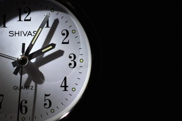 W nocy z soboty na niedzielę zmienimy czas na letni /AFP