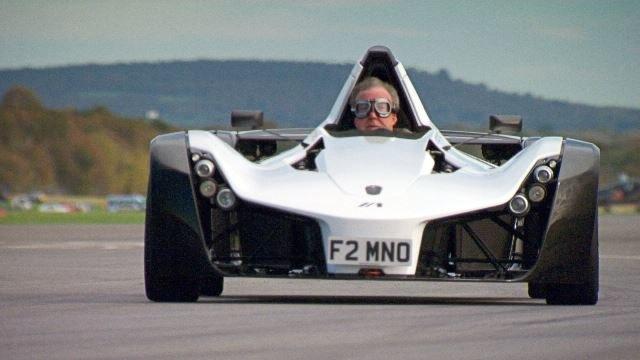 W nowej serii Top Gear nie braknie egzotycznych maszyn, prędkości i adrenaliny /materiały prasowe